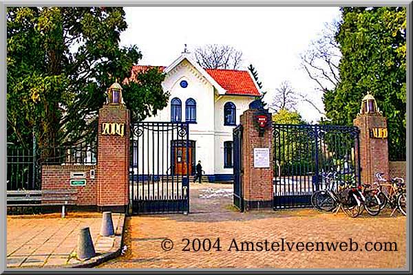 http://www.amstelveenweb.com/afbeeldingen/2004-Begraafplaats-zorgvlie.jpg