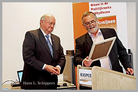 Hans L. Schippers ontvangt  Waarderingsprijs