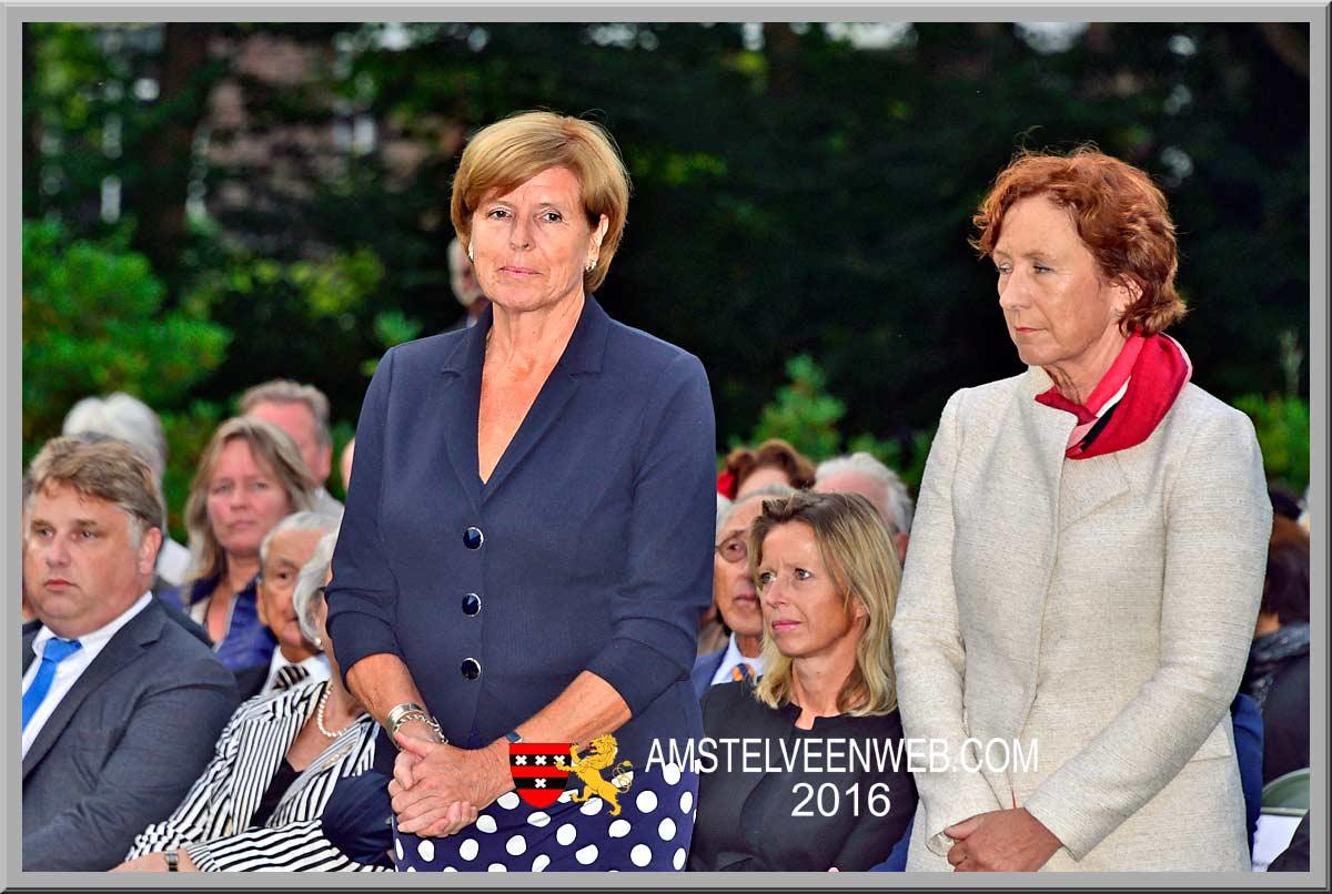 Burgemeester Ouderkerkvraagt eervol ontslag